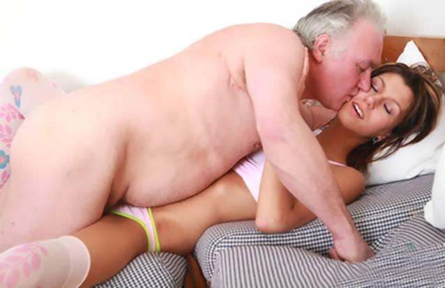 Секс Девственницы С Отцом